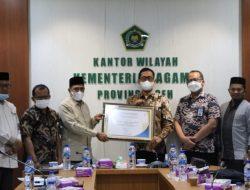 """""""Kemenag Aceh Terima Penghargaan Laporan Keuangan Terbaik Dua Anggaran Wilayah Besar"""